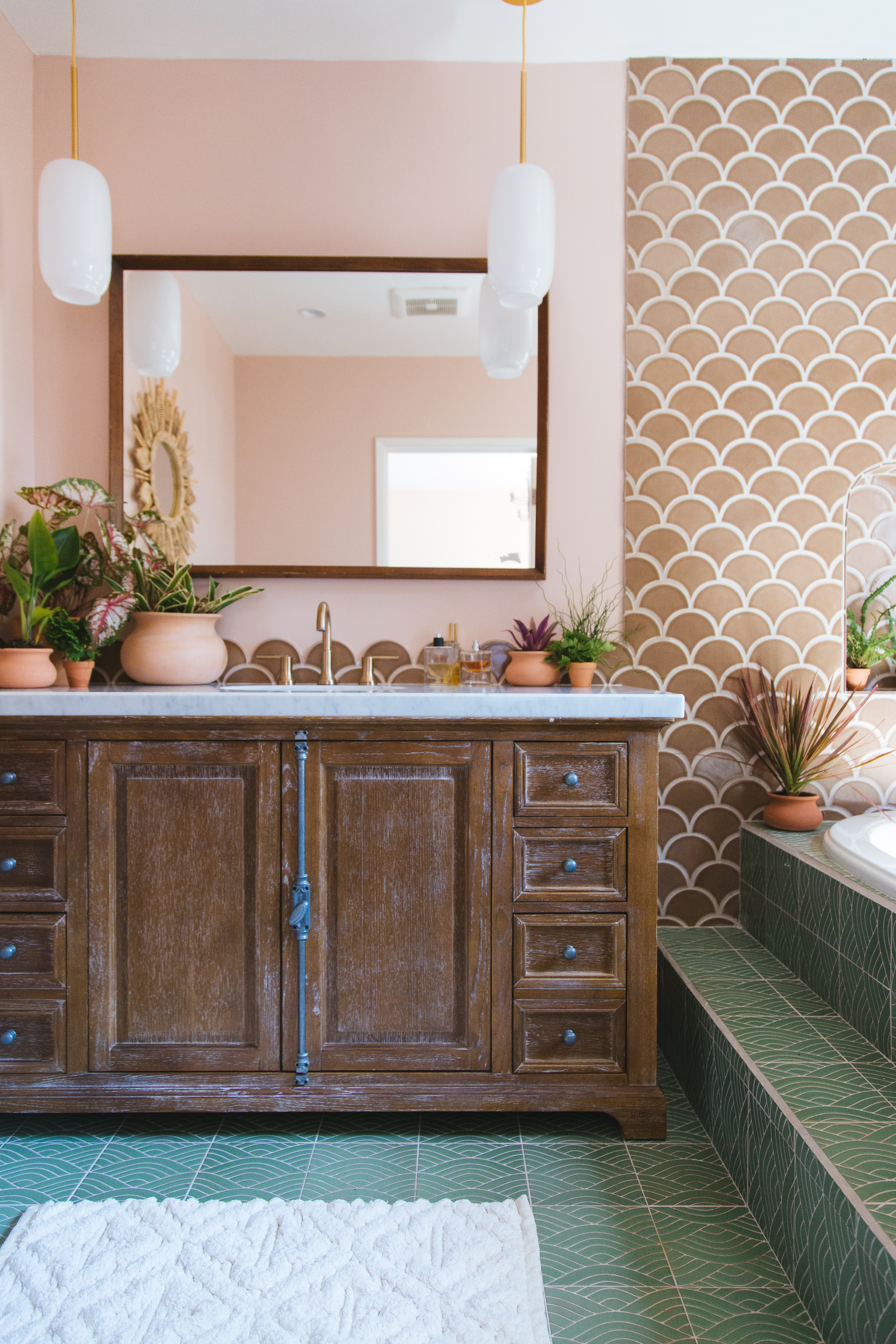 Q3_2018_image_residential_influencer_full-rights_Justina_Faith_Blakeney_parents_condo_masterbath_wall_tile_nutmeg_ogee_drop_floor_handpainted_summit_green_motif_vanity_with_tub-surround.jpg?mtime=20181008162539#asset:420263