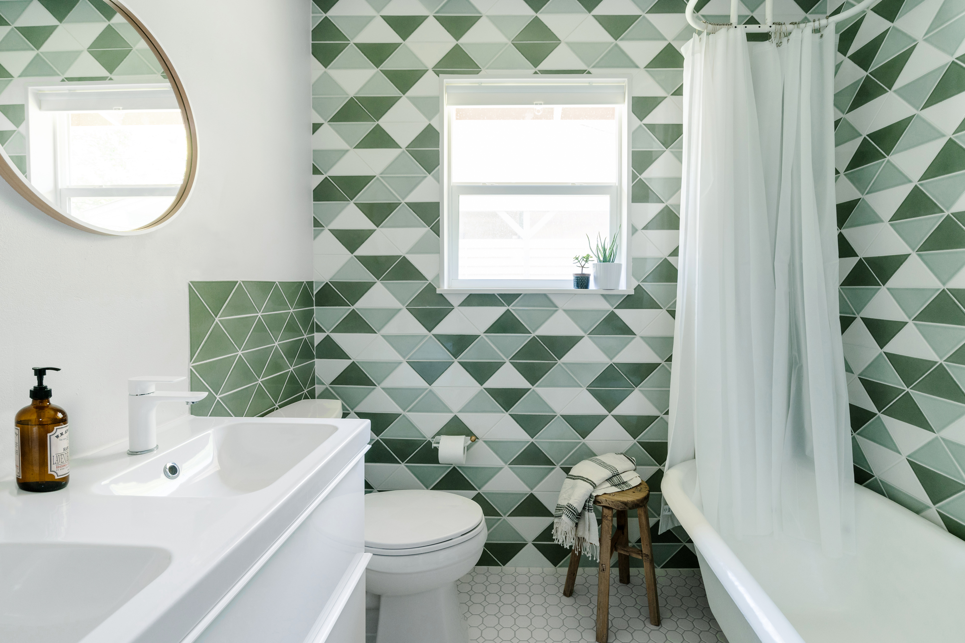 "6"" Triangle Blend Bathroom"