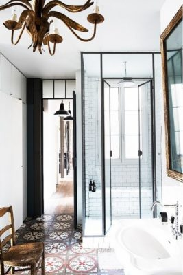 Shower Styles: Glass Doors and Tile