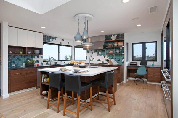 Uniquely Bold Kitchen Backsplash
