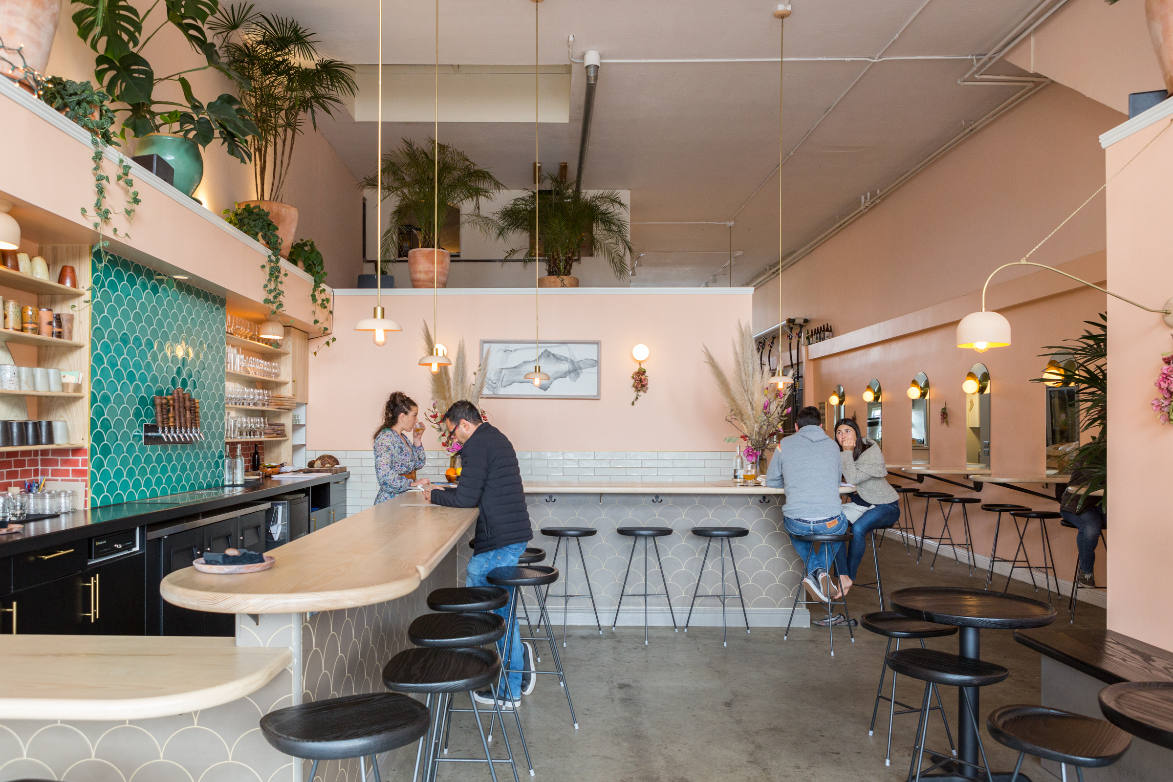 2017_q1_img_hi_res_rights_commercial_roses_taproom_young_american_creative_lauren_andersen_photo_bar_accent_backsplash_emerald_ogee_drop_FC186416_8.jpg?mtime=20181005100254#asset:419629