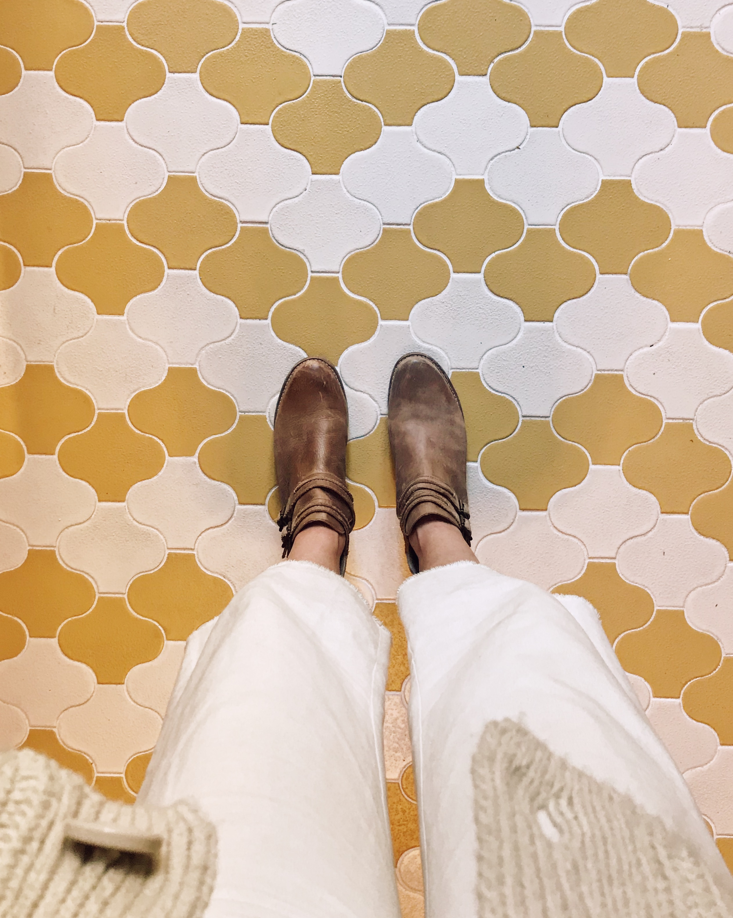 2018_Q1_image_commercial_influencer_Joshua_Tree_House_Assembly_photograher_Margaret_Austin_gym_work_space_entryway_tile_floor_paseo_sunflower_tusk_abrasive_with_feet.jpg?mtime=20180610102918#asset:265482