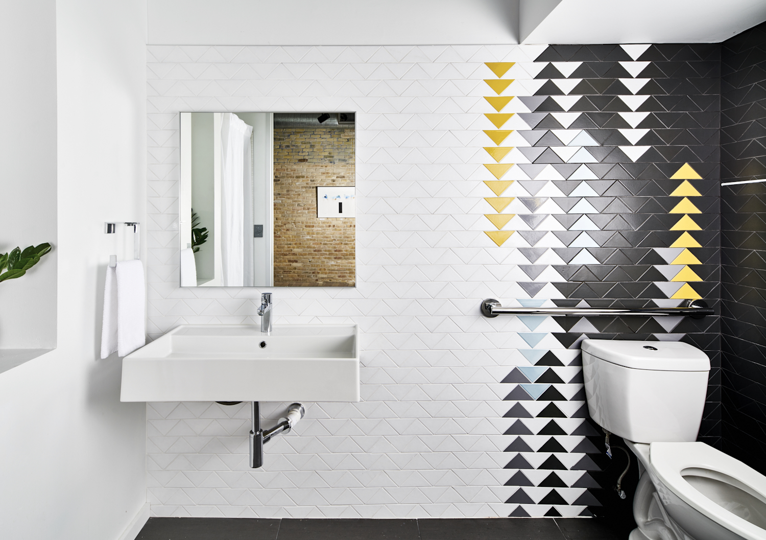 2018_Q2_image_commercial_OLA_Austin_office_bathroom_wall_triangle_4_blend_white_wash_magnetite_daffodil_crater_lake_rainy_day_full.jpg?mtime=20180610100249#asset:265292