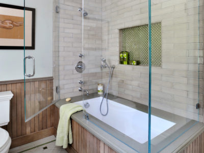 Neutral and Traditional Bathroom