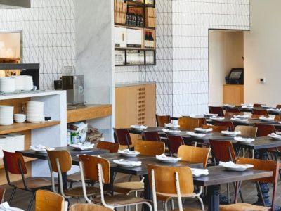 A Mano Restaurant