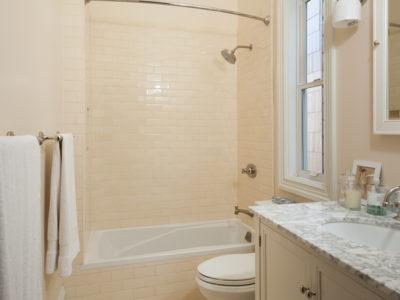 Naturally Neutral Bathroom in San Francisco