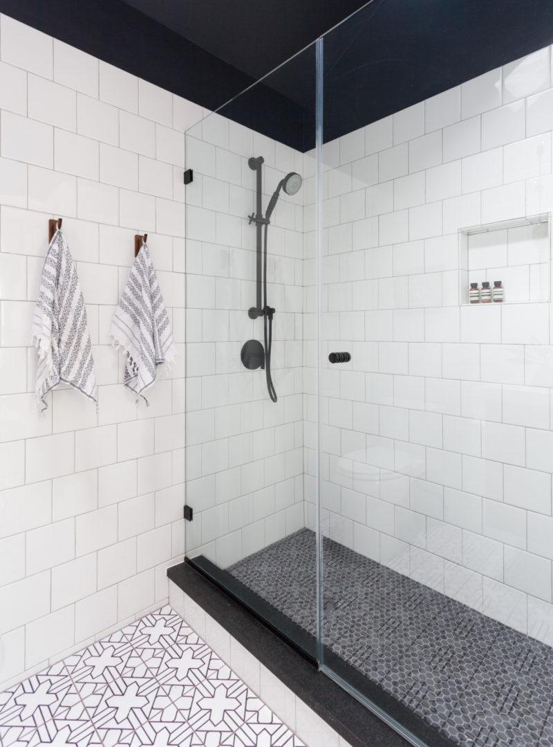 lakeside retreat kasbah trellis bathroom floor  fireclay