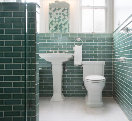 Fireclay Feature: Paul Burns' Victorian Bathroom Retreat