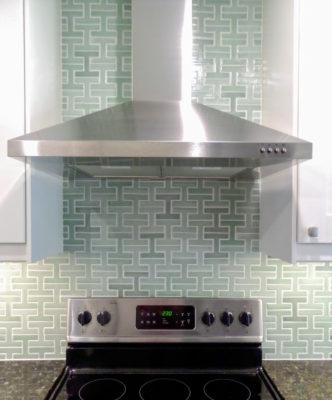 Contemporary Chaine Homme kitchen
