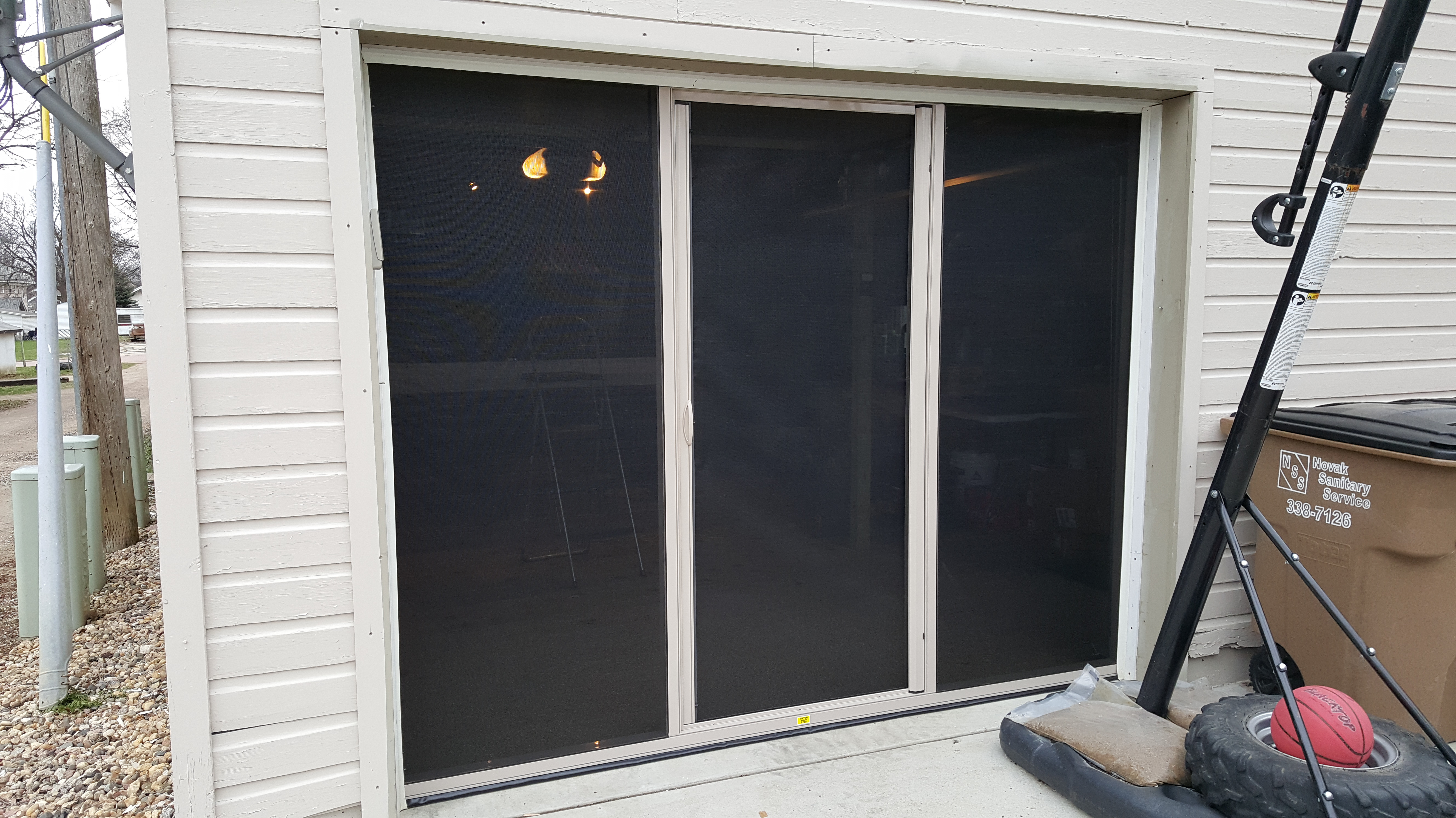 realty kingfisher dr garage doors widen sioux sd falls property