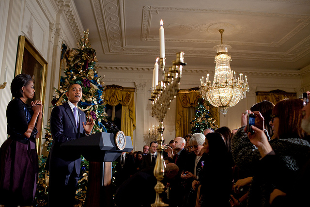2012_12_obamahanukkah