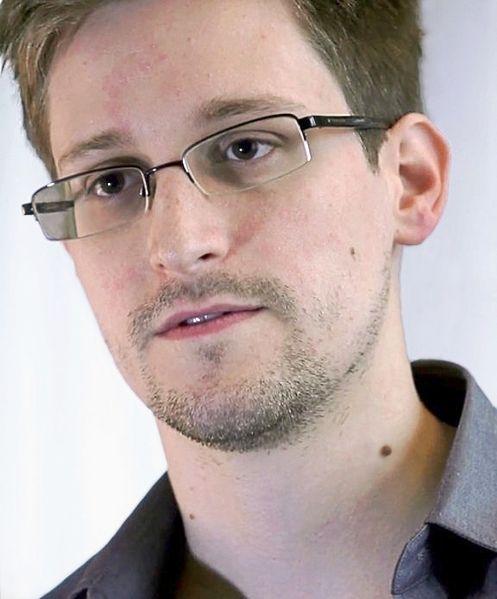2013_08_Edward_Snowden-2