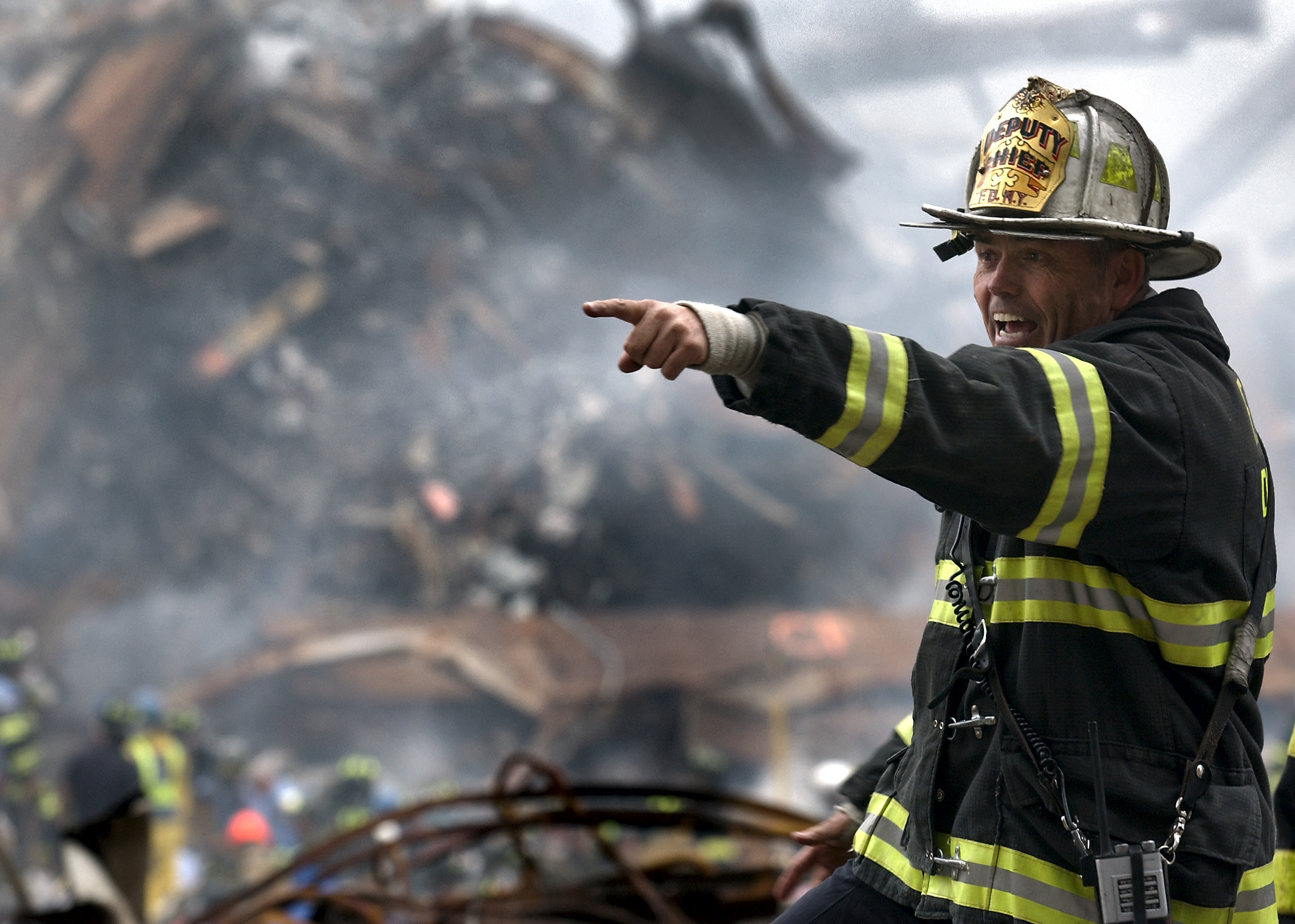 2014_09_NYFD_Deputy_Chief_Joseph_Curry_at_the_WTC_on_2001-09-14