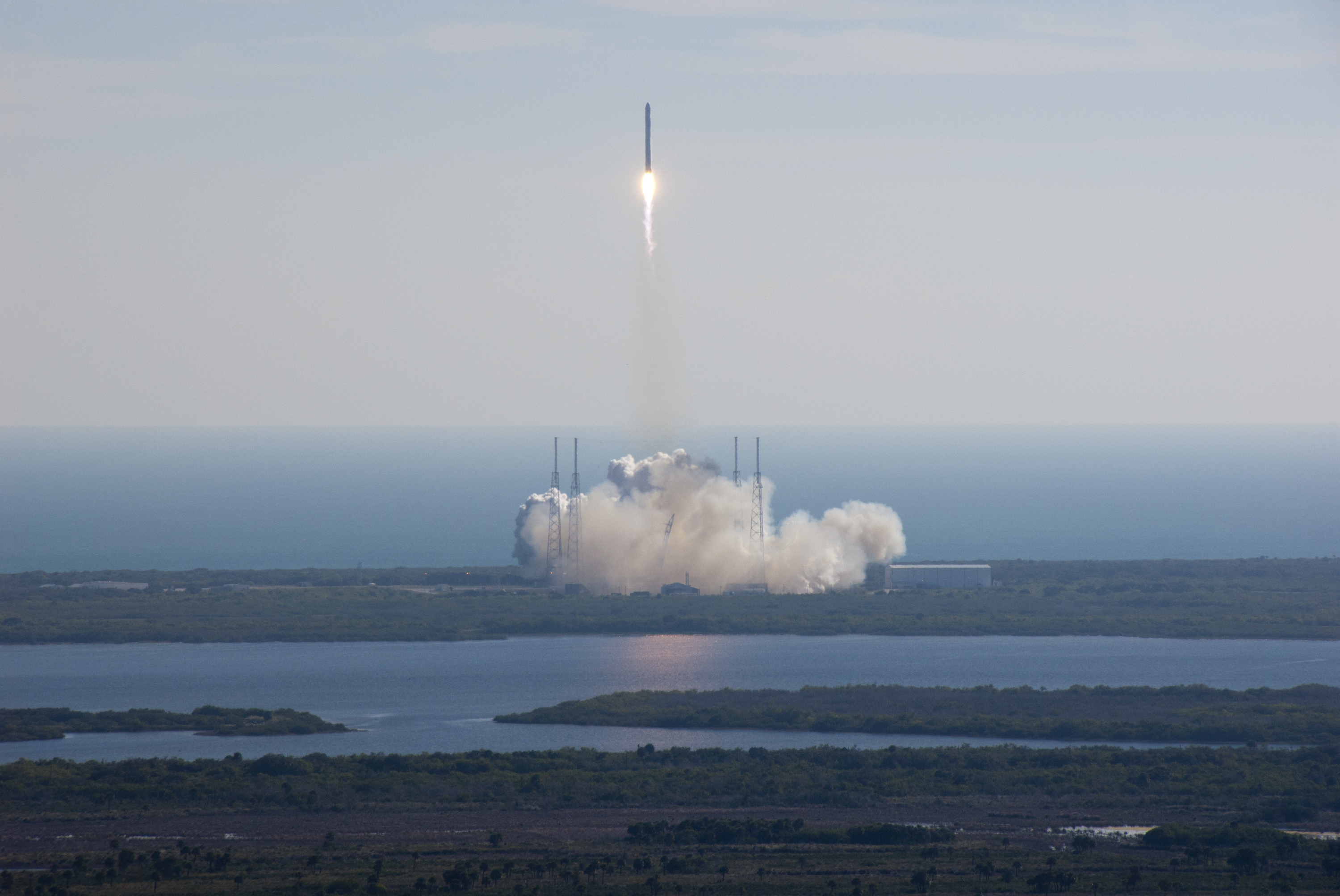 2014_09_SpaceX_Dragon_COTS-1_launch