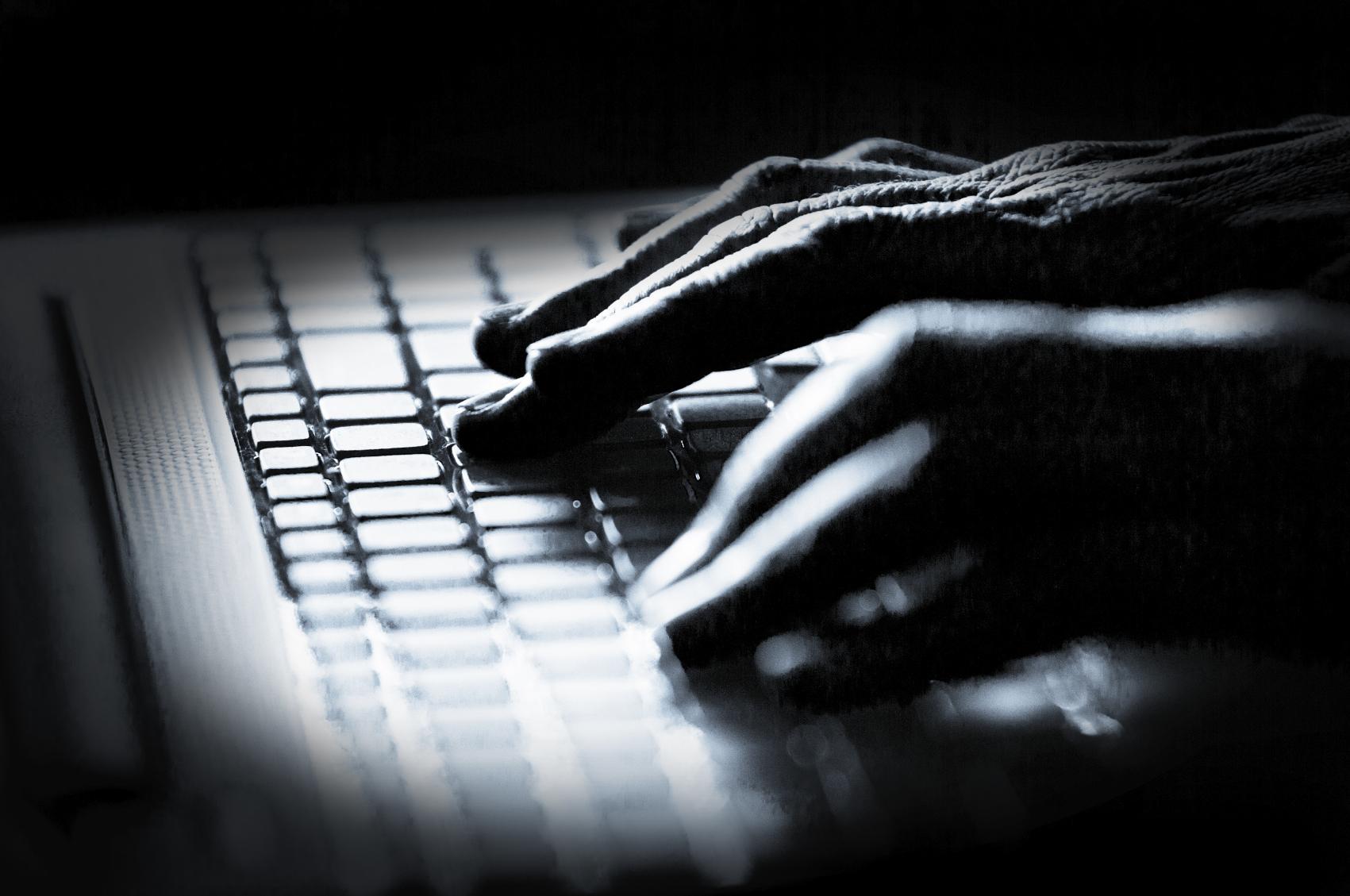 2013_10_cyber-hacker