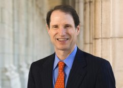 Ron_Wyden_official_photo