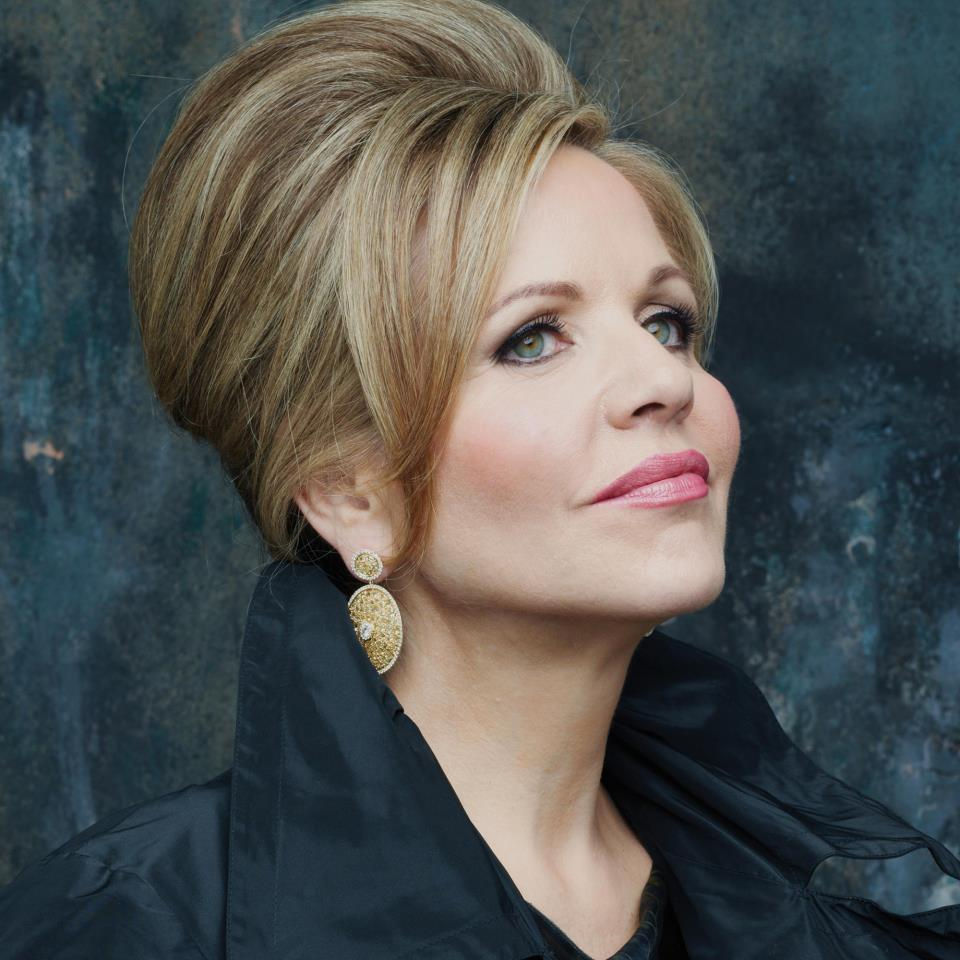 2014 National Christmas Tree Lighting: See Renée Fleming At The Kennedy Center