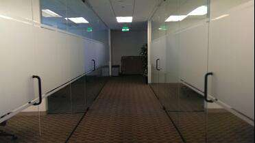 MACtac B-Free Frosted JT5796M Frosted Translucent on office walls. Photo courtesy of Mission City Signs, Campbell, CA.