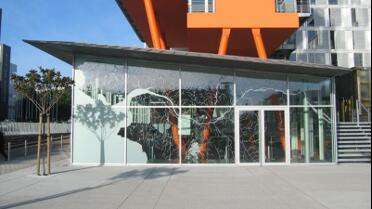 Mactac Glass Decor 700 Dusted. Photo courtesy of Mactac.