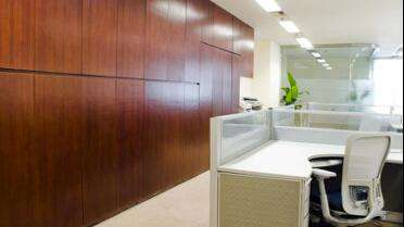 3M Di-Noc Wood Grain on original white cabinets. Photo courtesy of 3M USA.