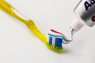 Toothbrush 571741 1280