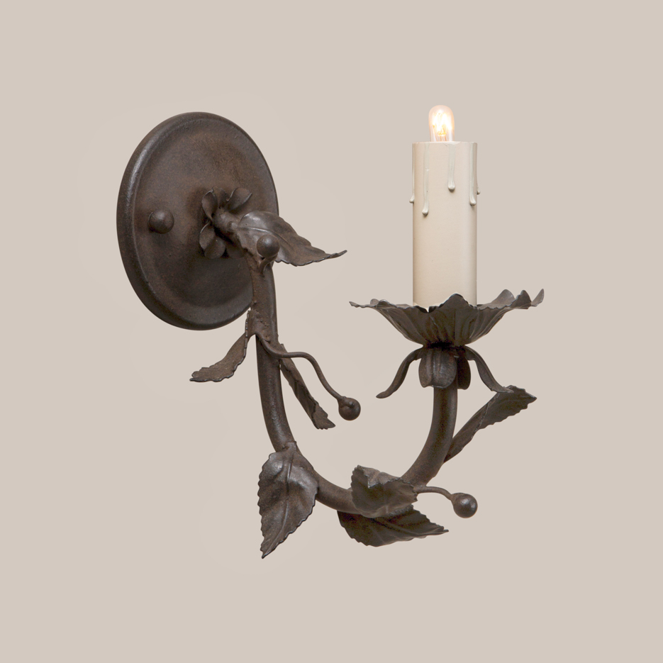1001-Berry Sconce-1