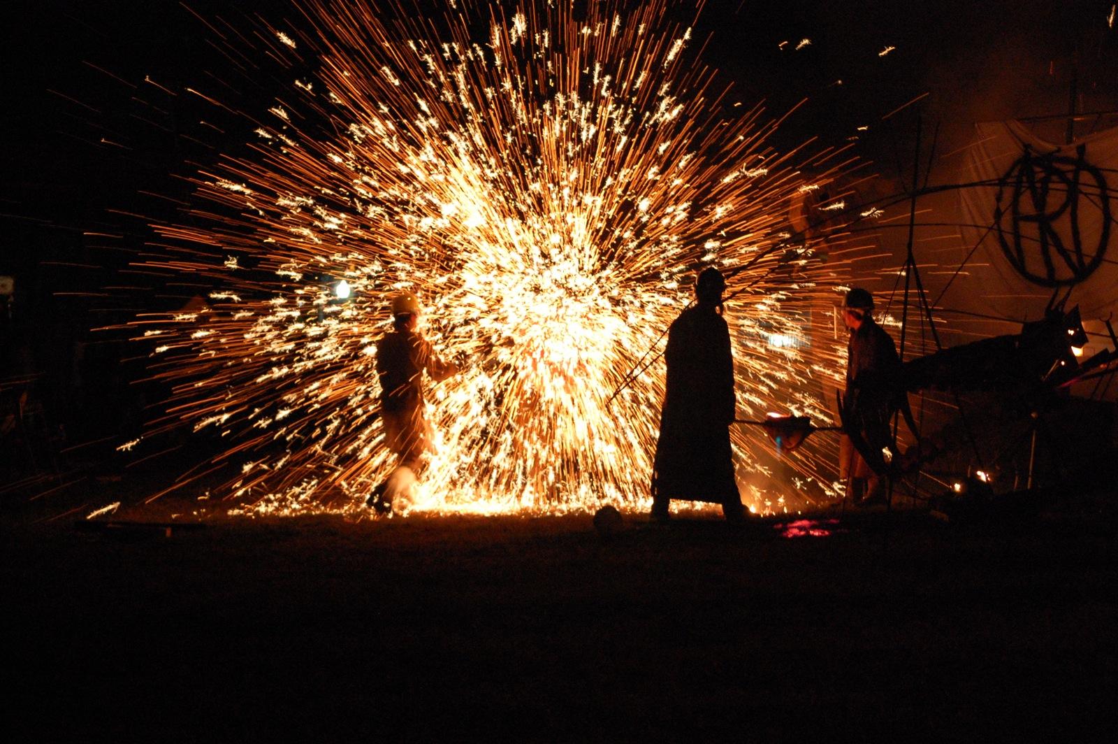Molten Iron Throwing Pixel Cc Httpflic.Krpdo8c Ll   05