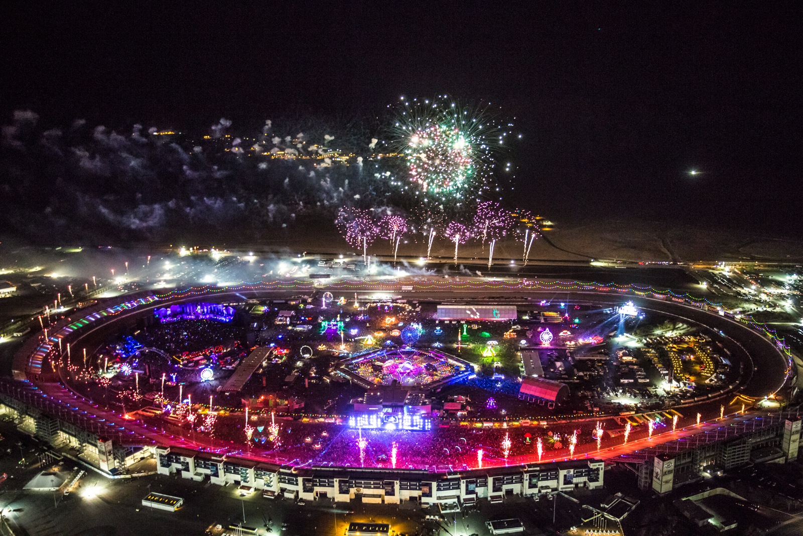 Electric Daisy Carnival 2014 Official A Live For Insomniac 6