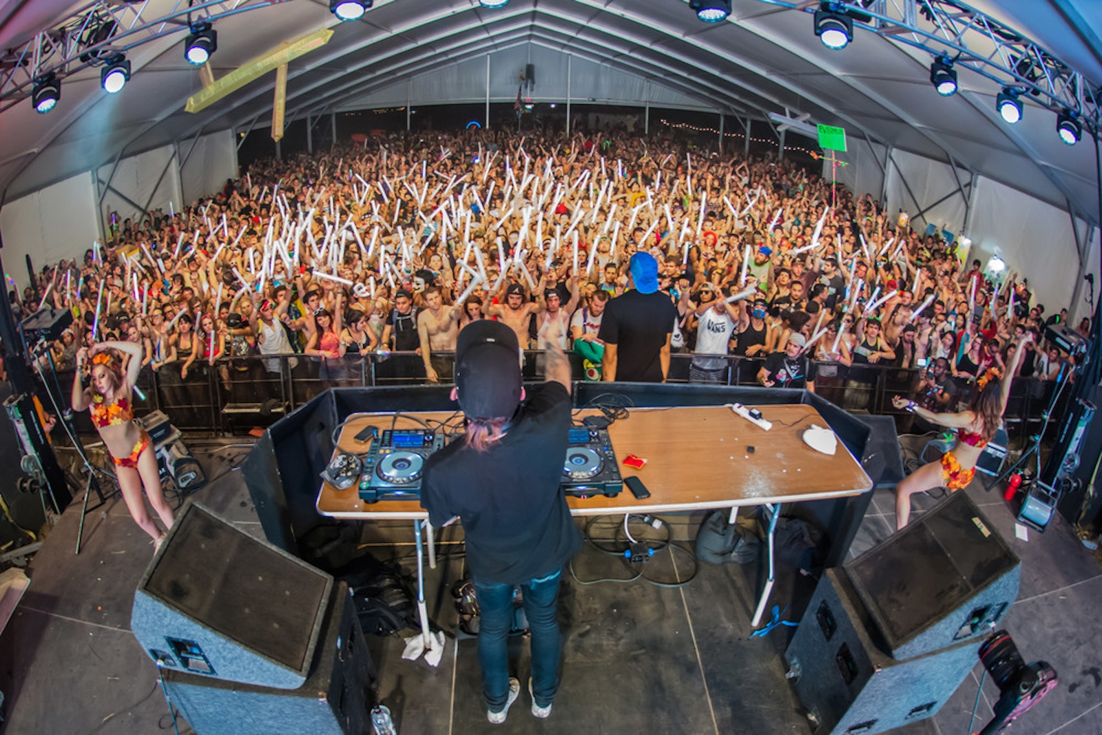 Seeking Euphoria at Austin's New Spring EDM Festival   Everfest