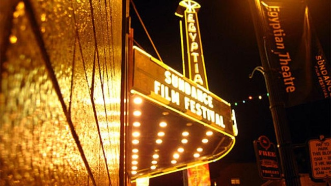 Egyptian_Theatre_at_night_(Sundance_Film_Festival_2007)