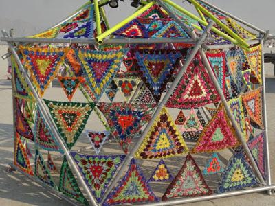 Pyramids go macramé