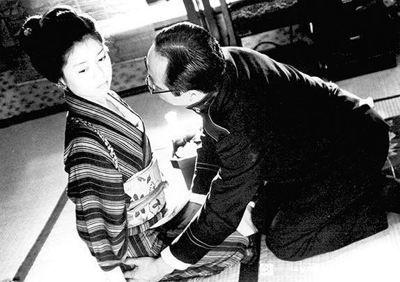 Edogawa Ranpo ryôki-kan: Yaneura no sanposha