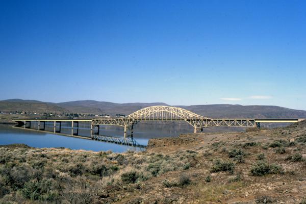 008-929vantagebridge-002-web-jpg