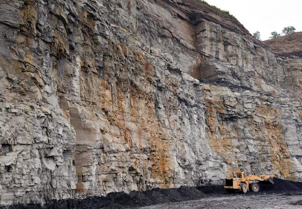 western_coal_wall_truck-jpg