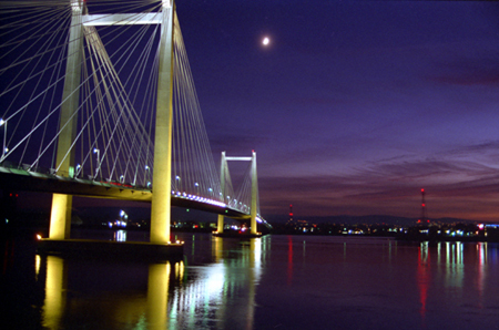 005-hendler_bridge-crescent_moon-06-35mm-jpg