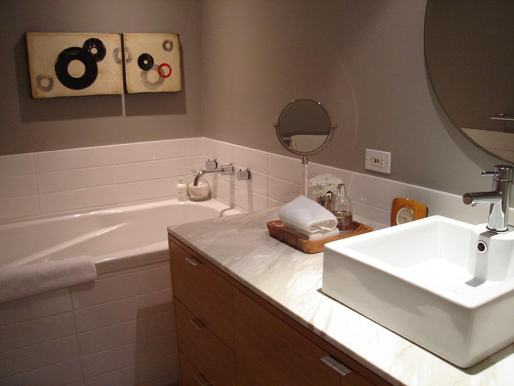 0147_boxbathroom-jpg