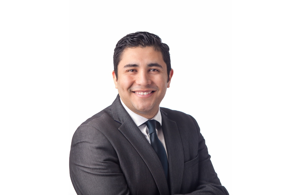 Remax Crest Real Estate Agent Headshot in Vancouver, BC