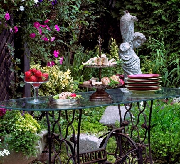 0151_21_gardentable_setting-jpg