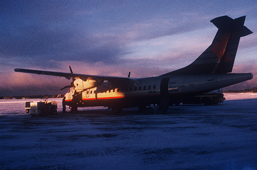 Dash6 Sault St.Marie Airport, Dawn, Blue, Violet Sky & sunlight lighting the plane