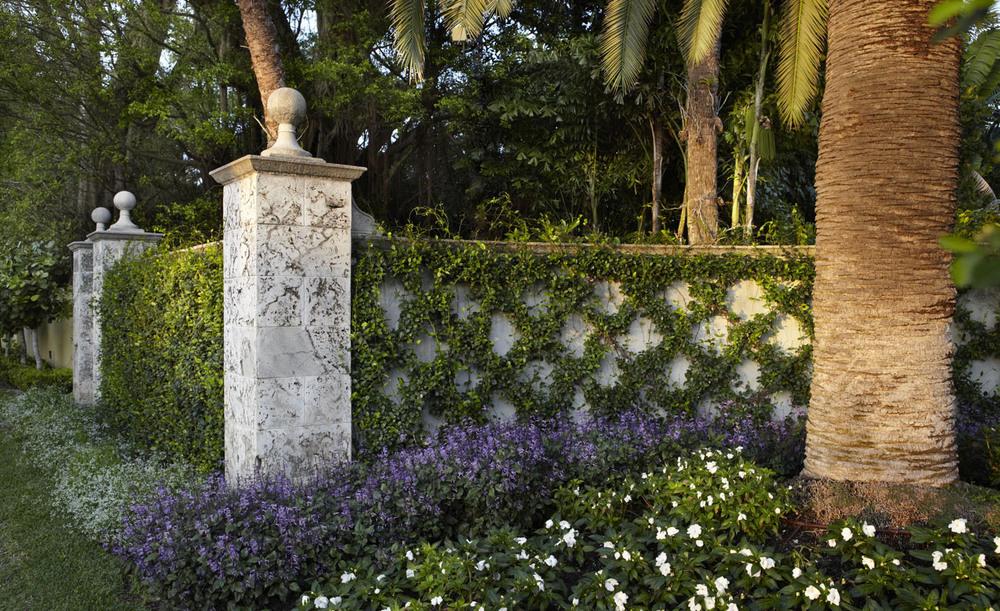 west-palm-entrance-wall-jpg