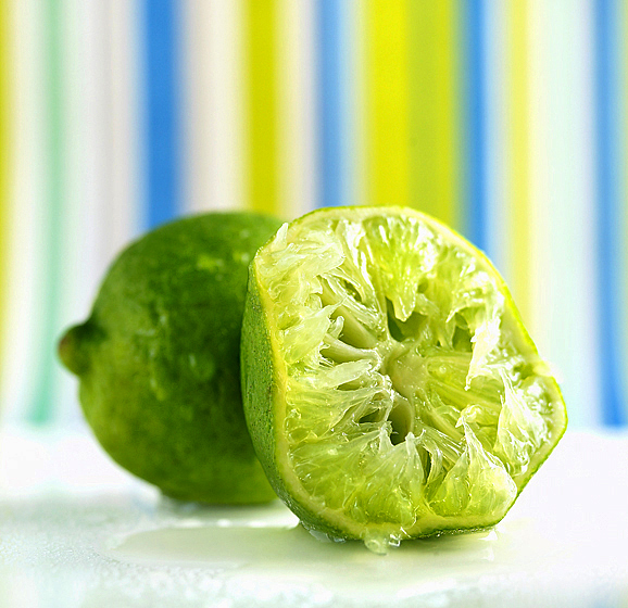0025_12_limes_squeezed-jpg