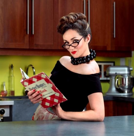 0163_32_vintagewoman_kitchen-jpg