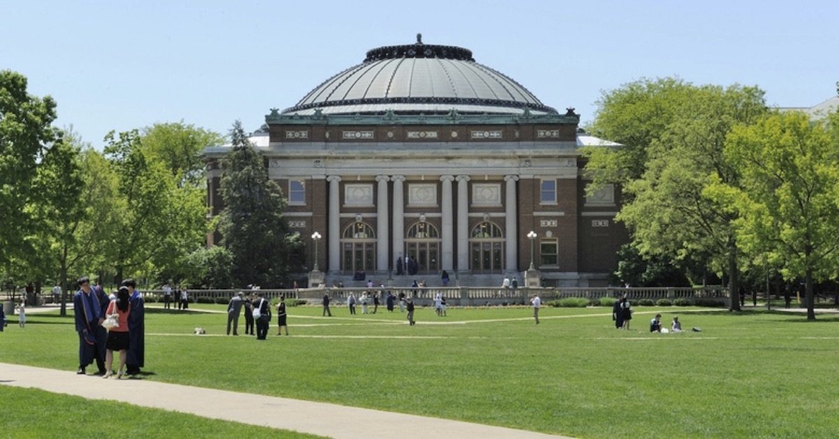 Can a person holding a Bachelor in Engineering be admitted to an Astronomy/Astrophysics Master/PhD program?