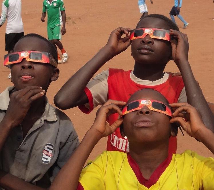 Nigerian children enjoying eclipse 2013