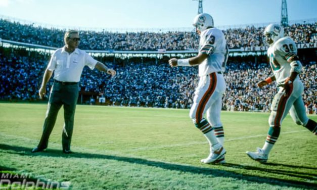 35-Year Phiniversary: Marino Outduels Elway in First Match-Up