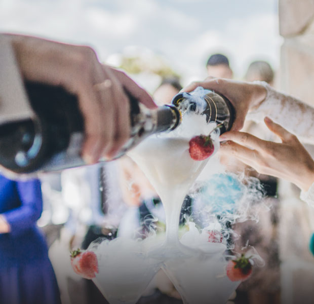 shop wine gifts for weddings