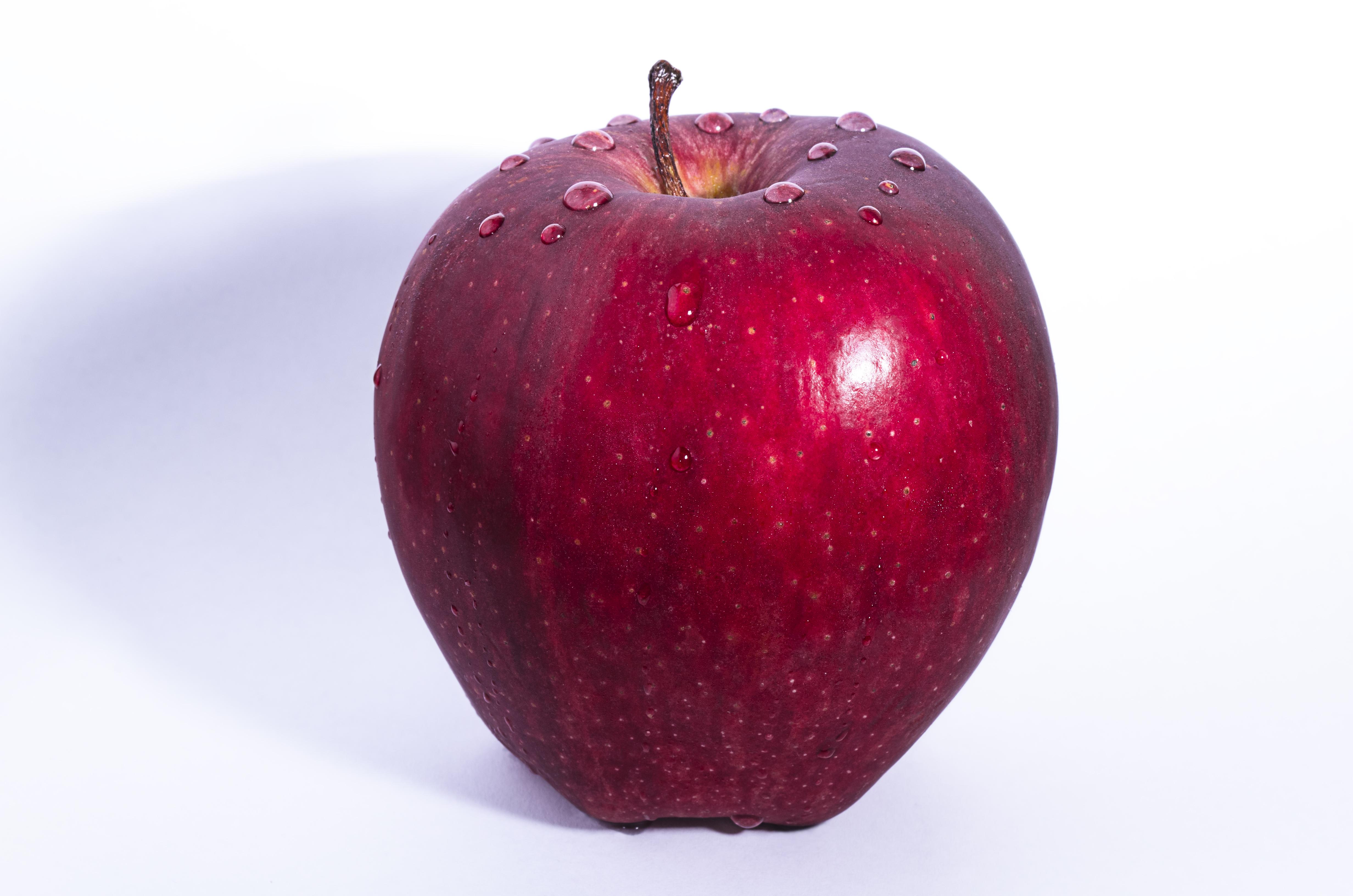 4reb0lqetnctlentxo1p_apple
