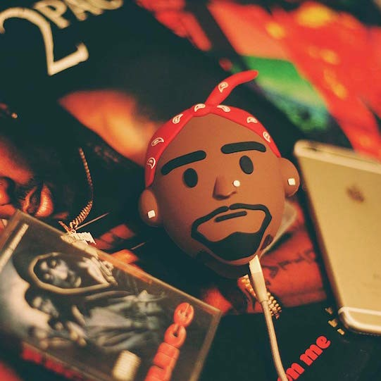 Xoclmggtzmf1lh411kia_makaveli_red_2pac_tupac_shakur_death_row_bandana_wattzup_power_bank_usb_charger_01
