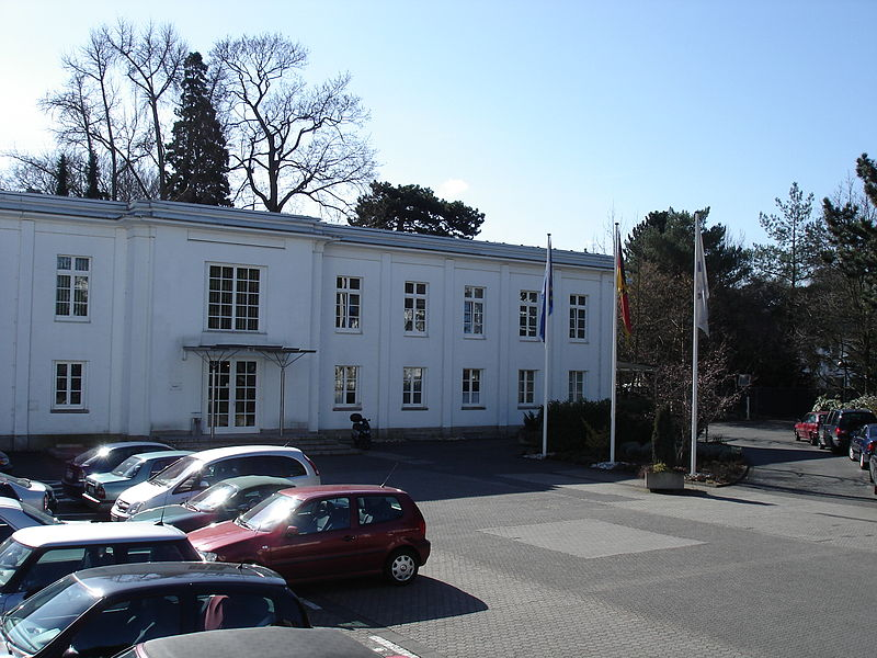 800px-Bundeskartellamt-in-Bonn-Haus-1