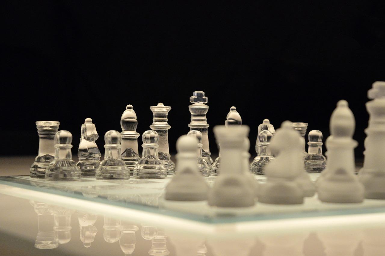 Schach-Glas-chess